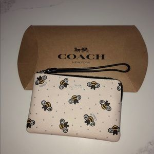 NWT cute bee covered coach zipper pouch